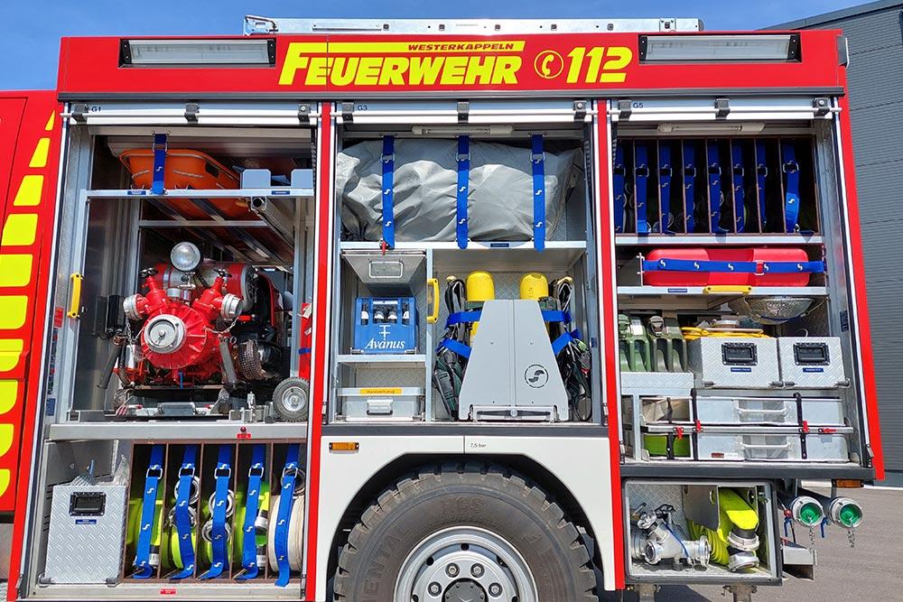 linke Seite des Löschgruppenfahrzeug 10 (LF 10) der Feuerwehr Westerkappeln, LZ Westerkappeln
